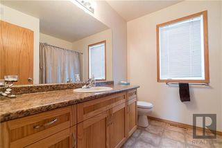 Photo 12: 22 Brookland Bay in Winnipeg: South Pointe Residential for sale (1R)  : MLS®# 1821047