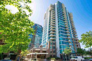 "Photo 2: 606 120 MILROSS Avenue in Vancouver: Mount Pleasant VE Condo for sale in ""THE BRIGHTON"" (Vancouver East)  : MLS®# R2305107"