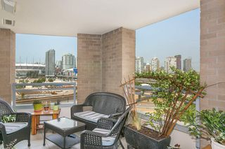 "Photo 3: 606 120 MILROSS Avenue in Vancouver: Mount Pleasant VE Condo for sale in ""THE BRIGHTON"" (Vancouver East)  : MLS®# R2305107"
