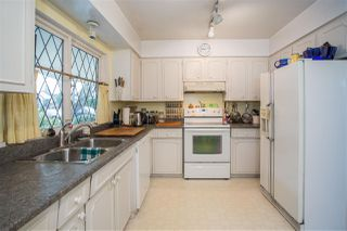 Photo 3: 7671 TWEEDSMUIR Avenue in Richmond: Broadmoor House for sale : MLS®# R2336156