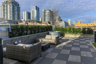 """Photo 5: 1911 668 COLUMBIA Street in New Westminster: Quay Condo for sale in """"TRAPP & HOLBROOK"""" : MLS®# R2348799"""