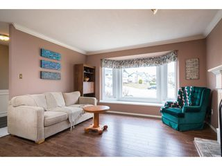 Photo 3: 34932 GLENALMOND Place in Abbotsford: Abbotsford East House for sale : MLS®# R2348997