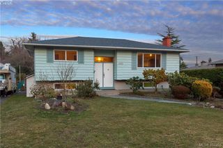 Main Photo: 4103 Tuxedo Drive in VICTORIA: SE Lake Hill Single Family Detached for sale (Saanich East)  : MLS®# 407955