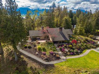 Main Photo: 10106 KENSWOOD Drive in Chilliwack: Little Mountain House for sale : MLS®# R2359177