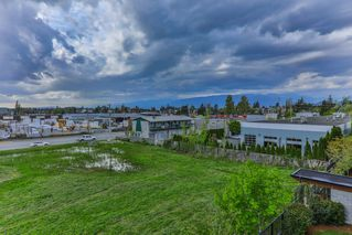 "Photo 16: 302 11935 BURNETT Street in Maple Ridge: East Central Condo for sale in ""KENSINGTON PLACE"" : MLS®# R2361474"
