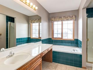 Photo 16: 304 RIVERVIEW Close SE in Calgary: Riverbend Detached for sale : MLS®# C4242495