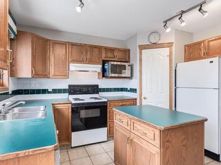 Photo 10: 304 RIVERVIEW Close SE in Calgary: Riverbend Detached for sale : MLS®# C4242495