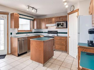 Photo 9: 304 RIVERVIEW Close SE in Calgary: Riverbend Detached for sale : MLS®# C4242495