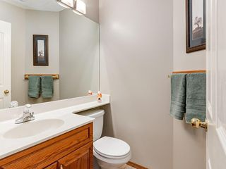 Photo 11: 304 RIVERVIEW Close SE in Calgary: Riverbend Detached for sale : MLS®# C4242495