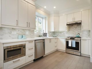 Photo 6: 723 E 13TH Avenue in Vancouver: Mount Pleasant VE House 1/2 Duplex for sale (Vancouver East)  : MLS®# R2365372