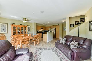 """Photo 8: 85 20350 68 Avenue in Langley: Willoughby Heights Townhouse for sale in """"Sunridge"""" : MLS®# R2365832"""