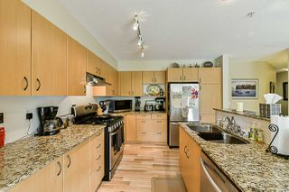 """Photo 4: 85 20350 68 Avenue in Langley: Willoughby Heights Townhouse for sale in """"Sunridge"""" : MLS®# R2365832"""