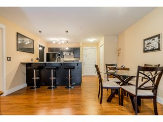 """Photo 6: 121 30525 CARDINAL Avenue in Abbotsford: Abbotsford West Condo for sale in """"Tamarind"""" : MLS®# R2375752"""