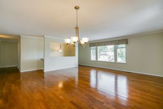 "Photo 2: 6165 NORTHPARK Place in Surrey: Panorama Ridge House for sale in ""Boundary Park"" : MLS®# R2381145"