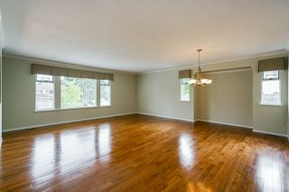 "Photo 4: 6165 NORTHPARK Place in Surrey: Panorama Ridge House for sale in ""Boundary Park"" : MLS®# R2381145"