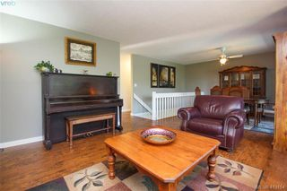 Photo 9: 4159 Tuxedo Drive in VICTORIA: SE Lake Hill Single Family Detached for sale (Saanich East)  : MLS®# 413154