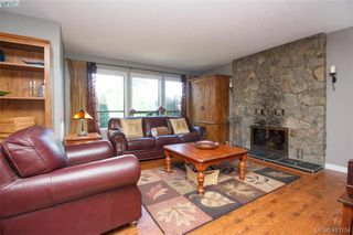 Photo 7: 4159 Tuxedo Drive in VICTORIA: SE Lake Hill Single Family Detached for sale (Saanich East)  : MLS®# 413154