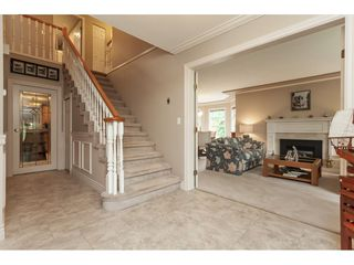 "Photo 3: 5443 184A Street in Surrey: Cloverdale BC House for sale in ""HUNTER PARK"" (Cloverdale)  : MLS®# R2386719"