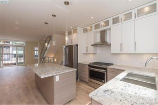 Photo 6: 202 2130 sooke Road in VICTORIA: Co Hatley Park Row/Townhouse for sale (Colwood)  : MLS®# 413342