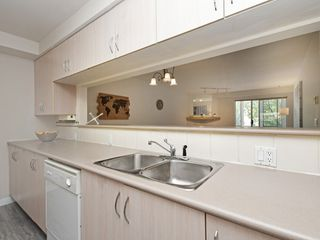 "Photo 10: 204 1163 THE HIGH Street in Coquitlam: North Coquitlam Condo for sale in ""KENSINGTON COURT"" : MLS®# R2406076"