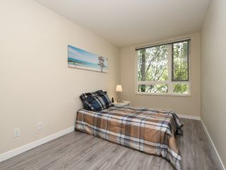 "Photo 16: 204 1163 THE HIGH Street in Coquitlam: North Coquitlam Condo for sale in ""KENSINGTON COURT"" : MLS®# R2406076"