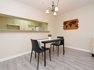 "Photo 7: 204 1163 THE HIGH Street in Coquitlam: North Coquitlam Condo for sale in ""KENSINGTON COURT"" : MLS®# R2406076"