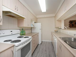 "Photo 9: 204 1163 THE HIGH Street in Coquitlam: North Coquitlam Condo for sale in ""KENSINGTON COURT"" : MLS®# R2406076"
