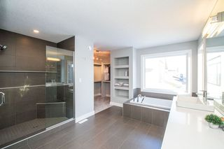 Photo 12: 2248 KELLY Crescent in Edmonton: Zone 56 House for sale : MLS®# E4176743