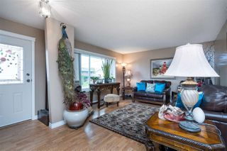 Photo 2: 46521 GILBERT Avenue in Chilliwack: Fairfield Island House for sale : MLS®# R2420328