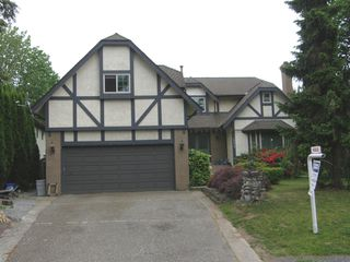 Photo 2: 12473 KLASSEN PLACE in MAPLE RIDGE: Home for sale : MLS®# R2053876