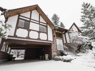 Photo 2: 3143 ROBINSON Road in North Vancouver: Lynn Valley House for sale : MLS®# R2428457