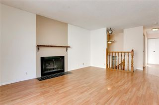 Photo 3: 1076 RANCHLANDS Boulevard NW in Calgary: Ranchlands Detached for sale : MLS®# C4286862