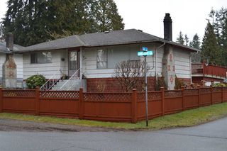 Photo 1: 3422 LANCASTER Street in Port Coquitlam: Woodland Acres PQ House for sale : MLS®# R2473980