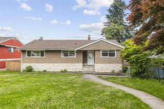 Photo 3: 4445 MAPLEWOOD Crescent in Burnaby: Garden Village House for sale (Burnaby South)  : MLS®# R2474707
