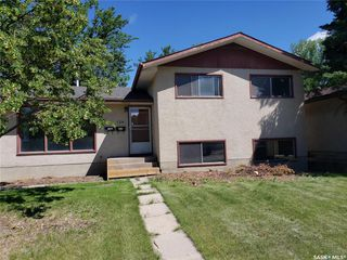 Photo 2: 134 108th Street in Saskatoon: Sutherland Residential for sale : MLS®# SK817838