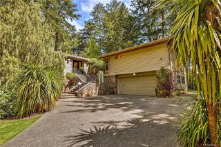 Photo 2: 1010 Donwood Dr in Saanich: SE Broadmead Single Family Detached for sale (Saanich East)  : MLS®# 840911
