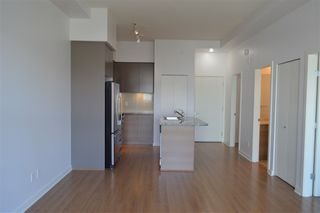 "Photo 13: 405 6430 194 Street in Surrey: Clayton Condo for sale in ""Waterstone"" (Cloverdale)  : MLS®# R2482000"
