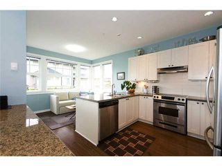"""Photo 7: 4 19452 FRASER Way in Pitt Meadows: South Meadows Townhouse for sale in """"SHORELINE"""" : MLS®# V881557"""