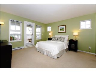 """Photo 8: 4 19452 FRASER Way in Pitt Meadows: South Meadows Townhouse for sale in """"SHORELINE"""" : MLS®# V881557"""