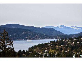 Photo 1: 5286 TIMBERFEILD Road in West Vancouver: Upper Caulfeild 1/2 Duplex for sale : MLS®# V890223
