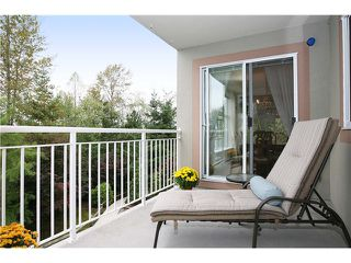 "Photo 2: 305 11609 227TH Street in Maple Ridge: East Central Condo for sale in ""EMERALD MANOR"" : MLS®# V892769"