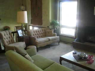 Photo 2: 431 Barker Boulevard in WINNIPEG: Charleswood Residential for sale (South Winnipeg)  : MLS®# 1117148