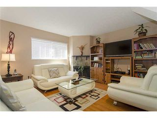 Photo 2: 250 BALMORAL Place in Port Moody: North Shore Pt Moody Townhouse for sale : MLS®# V1054135