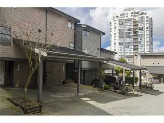Photo 1: 250 BALMORAL Place in Port Moody: North Shore Pt Moody Townhouse for sale : MLS®# V1054135