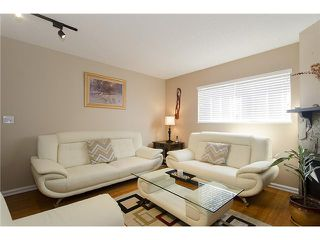 Photo 3: 250 BALMORAL Place in Port Moody: North Shore Pt Moody Townhouse for sale : MLS®# V1054135