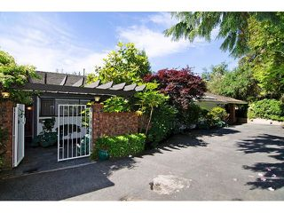 Photo 2: 91 BONNYMUIR Drive in West Vancouver: Glenmore House for sale : MLS®# V1127395