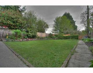 Photo 2: 396 39TH Ave: Main Home for sale ()  : MLS®# V764906