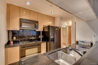 "Photo 7: 3301 1111 W PENDER Street in Vancouver: Coal Harbour Condo for sale in ""VANTAGE"" (Vancouver West)  : MLS®# R2131513"