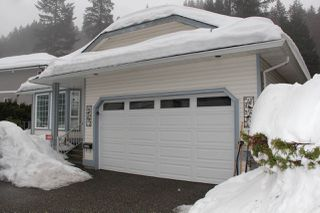Photo 1: 21070 LAKEVIEW Crescent in Hope: Hope Kawkawa Lake House for sale : MLS®# R2138972