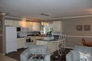 Photo 2: 21070 LAKEVIEW Crescent in Hope: Hope Kawkawa Lake House for sale : MLS®# R2138972